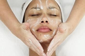 Cuidados essenciais antes e após a limpeza de pele